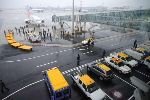 飞机泊位引导系统采用瑞典产品,可提供全天候安全服务.